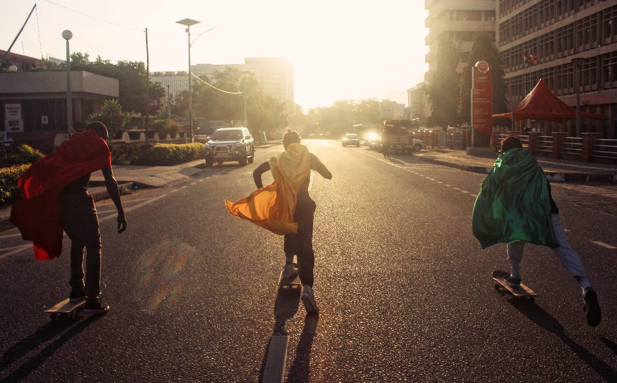 Off-White und Daily Paper: Kollektion bringt Skateboards in Ghana zum Rollen