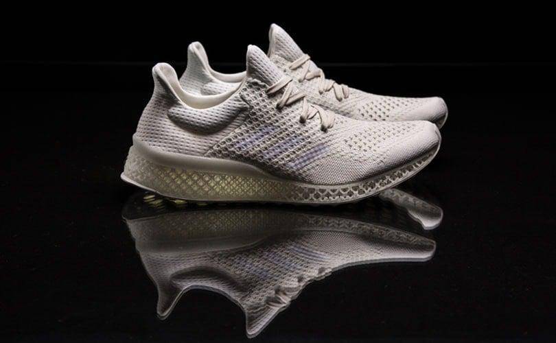 dem 3D Adidas Sneakern aus arbeitet Drucker an dCoexWrBQ