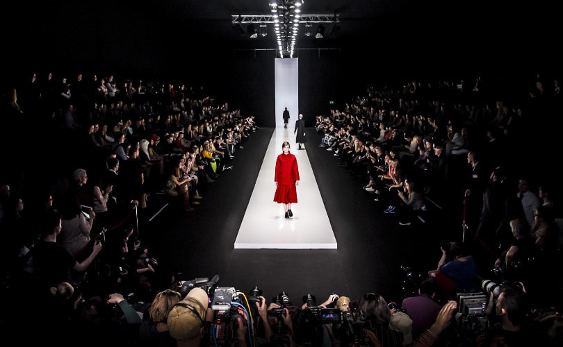 b4613276ffae86 Wirtschaftsmotor oder Millionengrab  Die Fashion Week in Zahlen