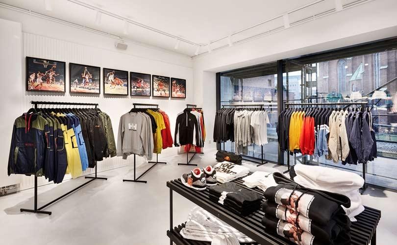 kickz flagship store in hamburg wiederer ffnet. Black Bedroom Furniture Sets. Home Design Ideas