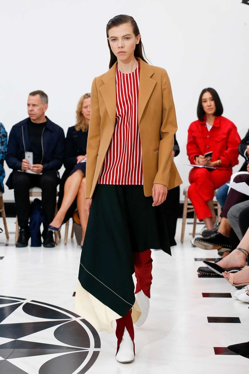 Victoria Beckham und Sushi Hüte: Das war die London Fashion Week