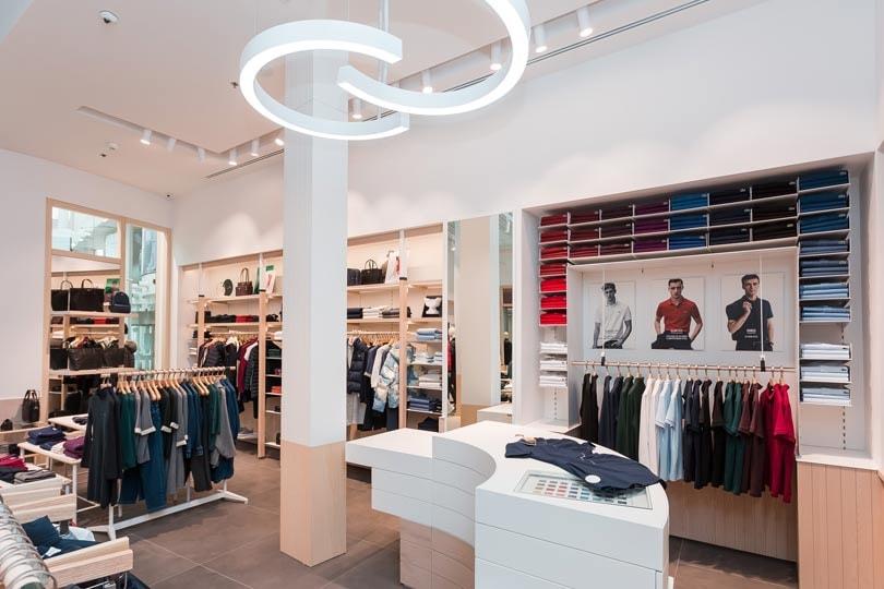 the latest 7fb98 b30c0 In Bildern: Lacoste stellt neues Einzelhandelskonzept vor